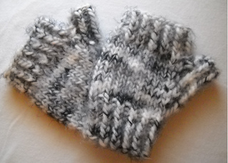 Ladies__quick_fingerless_gloves_small2