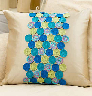 B27_circling_accent_pillow_small2