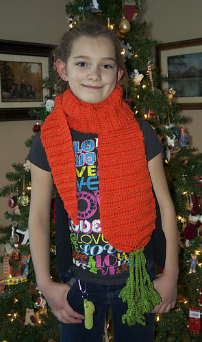 Carrot_scarf_medium