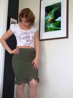 Net_crochet_skirt_fullframe_small2