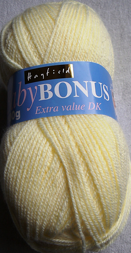 Hayfield_baby_bonus_yellow_medium