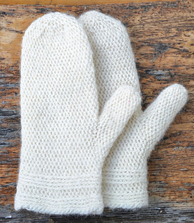 Ravelry: Wool mitts in slip stitch pattern by Ulrika Andersson