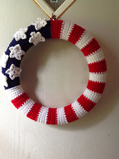 Ravelry: American Flag Wreath pattern by Kara Gunza