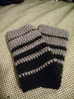 Fingerless_gloves_-_black_and_grey_small2