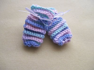 Ravelry: Care Wear Preemie Mittens pattern by Care Wear