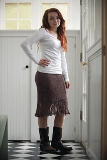 Bohemian_skirt_model_small2