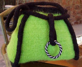 Beaded-ring-felted-bag1_small2