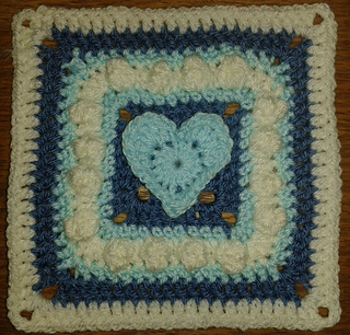 Skoggy_woolly_hug_square_test_june_2013_small2