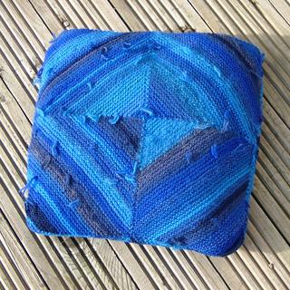 Woolsack_cushion_small2