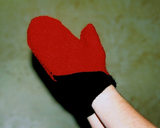 Red_mittens_small2