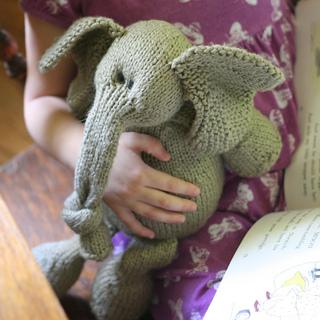 Elephantellie3_small2