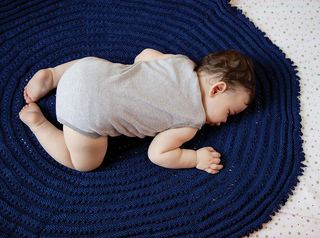 Knittingfromthecenterout_p122_lores_small2