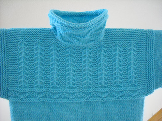 Mystery_sweater_3_nastia_2011_-_top_front_small2