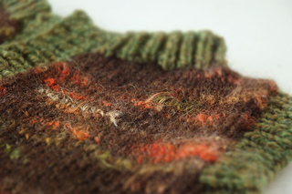 Brownorangegreen_collar_detail1_small2