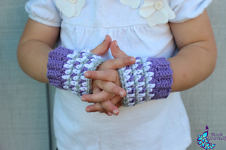 Fingerless_gloves__amethyst_gray_and_white_small2