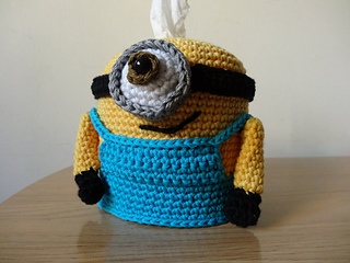 Crochet_amigurumi_minion_gru_dispensador_panuelos_tissues_dispenser_60_small2