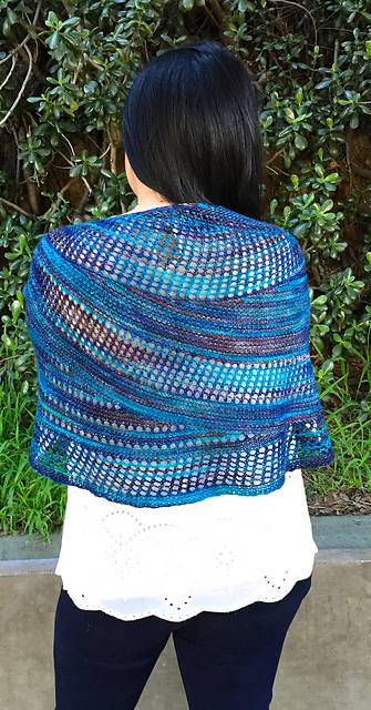 Photo of knit shawl pattern Castra