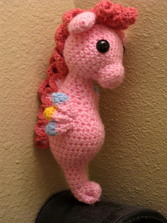 Pinky_pie_sea_pony_1_small2