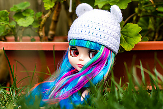 Blythewhitehat_small2