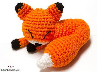 Mini Amigurumi Blog : Ravelry: Mini Sleepy Fox Amigurumi pattern by Amanda Maciel
