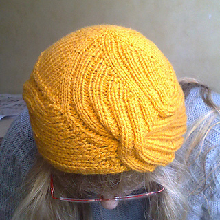 Wrapped_hat_geel6_small2