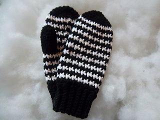Houndstooth_mittens_004_small2