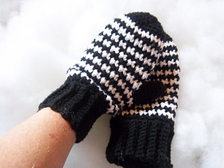 Houndstooth_mittens_005_small2
