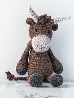 Edwards_menagerie_crochet_amigurumi_highlandcow_small2