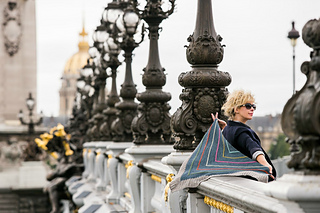 Paris_me_bridge_bees_small2