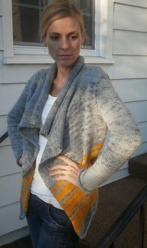 Contrasting_wrap_sweater_-_b_medium