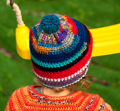 Quick_and_easy_crochet_hat__5_of_7__small
