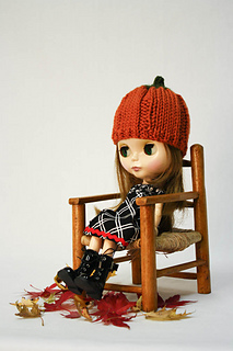 Blythe_pumpkin_hat_by_annearchy_small2