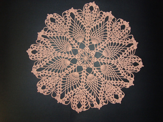 Pine_cone_doily_dom_sept_2011_004_small2