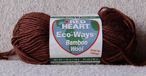 Red_heart_eco-wool_medium