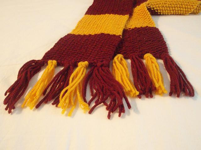 Кисти на шарф своими руками 5