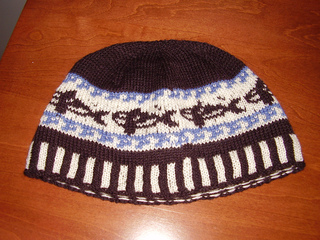 Hat_-_orca_beanie_02_small2