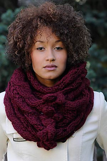 Bobble-and-eyelet-cowl2_small2