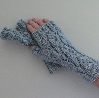 Emilee_dee_mitts_small2