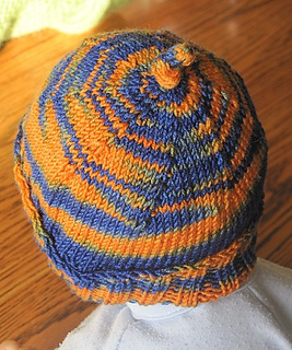 Gator_socks_hat_and_mittens_007_small2