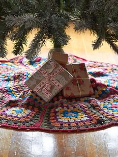 P-tricias-tree-skirt2_small2