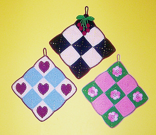 Checkerboard_potholders_small2