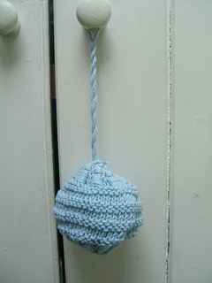 021_beach_hut_decorative_bomb_small2