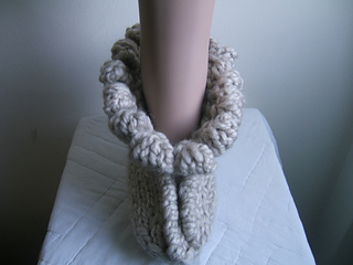 002_giant_bobble_slippers_small2