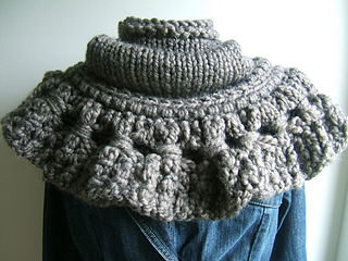 Cambridge_cowl_with_giant_corndolly_trim_small2