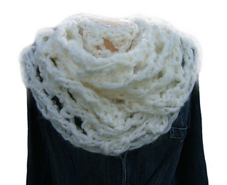 Blizzard_cowl_effect_neckwarmer1_small2