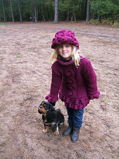 Woodland_berry_sweater_with_dog_small2