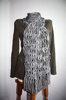 Sc16_giant_harlequin_lace_effect_scarf_with_necktie_variation_small2