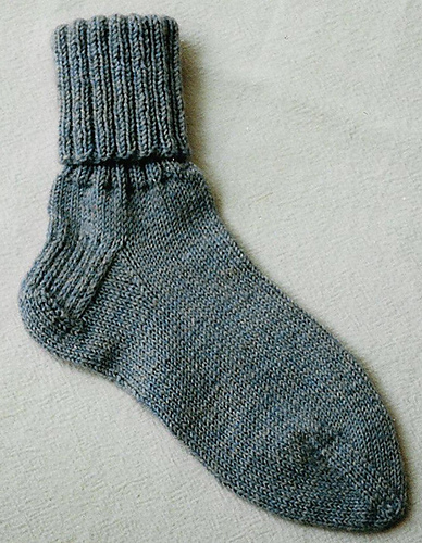 Basic, Easy Socks PDF