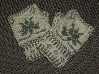 Color_twined_knitted_fingerless_mitts72_small2