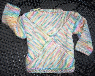 Pinwheel_baby_sweater_002c_small2